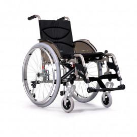 Облегченная и маневренная коляска