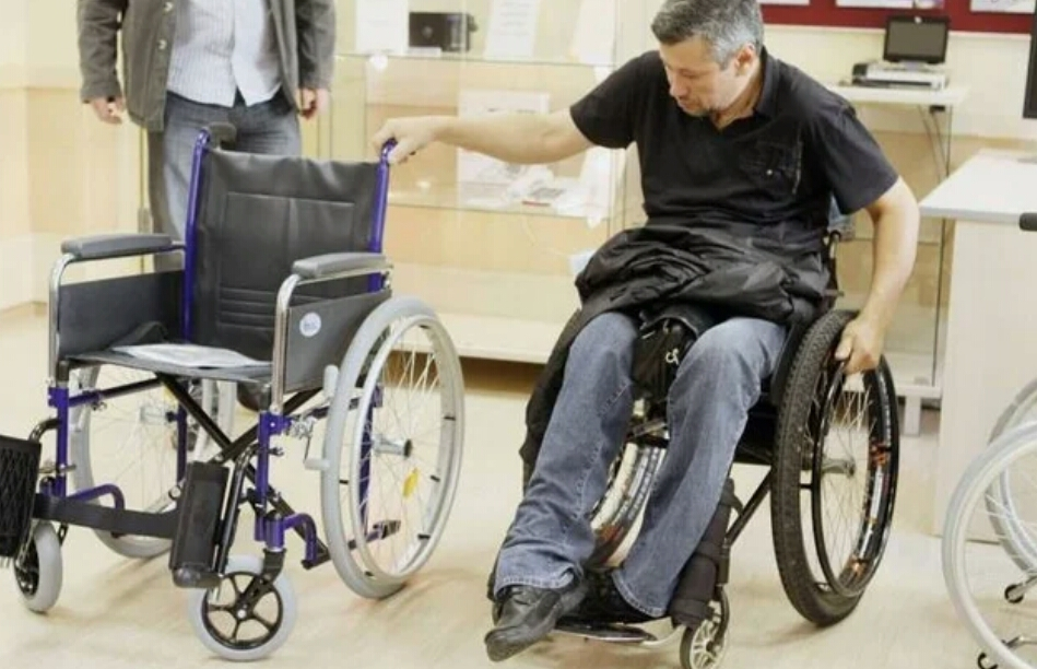 Как правильно выбрать инвалидную коляску